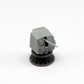 Canon de 5in./38 Mk.21 sous tourelle semi-ouverte (x4)