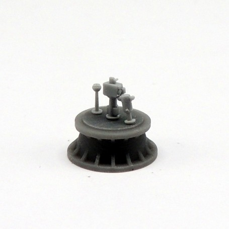 Compas de marine (x10) et directeur de tir pour torpilles (x4)